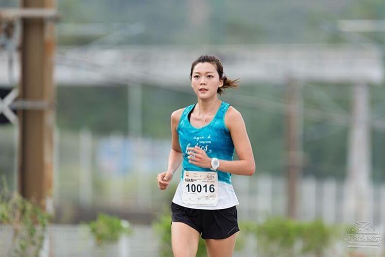 Inez本身是跑馬拉松高手,而洪永城也愛跑步,兩人因共同興趣而撻着。