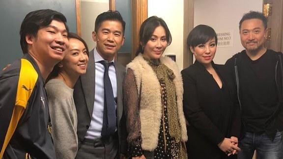 劉嘉玲亦有來捧場,看完《短暫的婚姻》來到後台探班,跟林海峰、蝦頭和潘燦良合照留念。