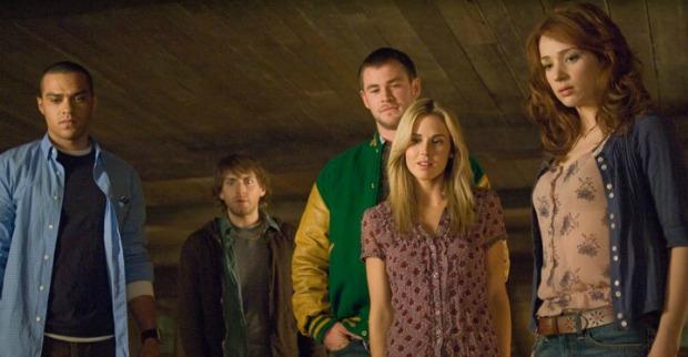 基斯六年前主演《屍營旅舍》時十分薯仔,但影片精采過癮。