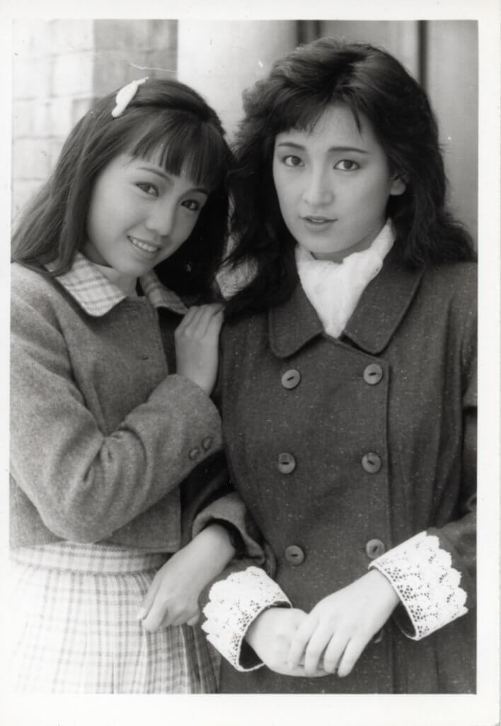 鄧萃雯比龔慈恩遲一屆藝員招募班加入,那時看來像個小妹妹。