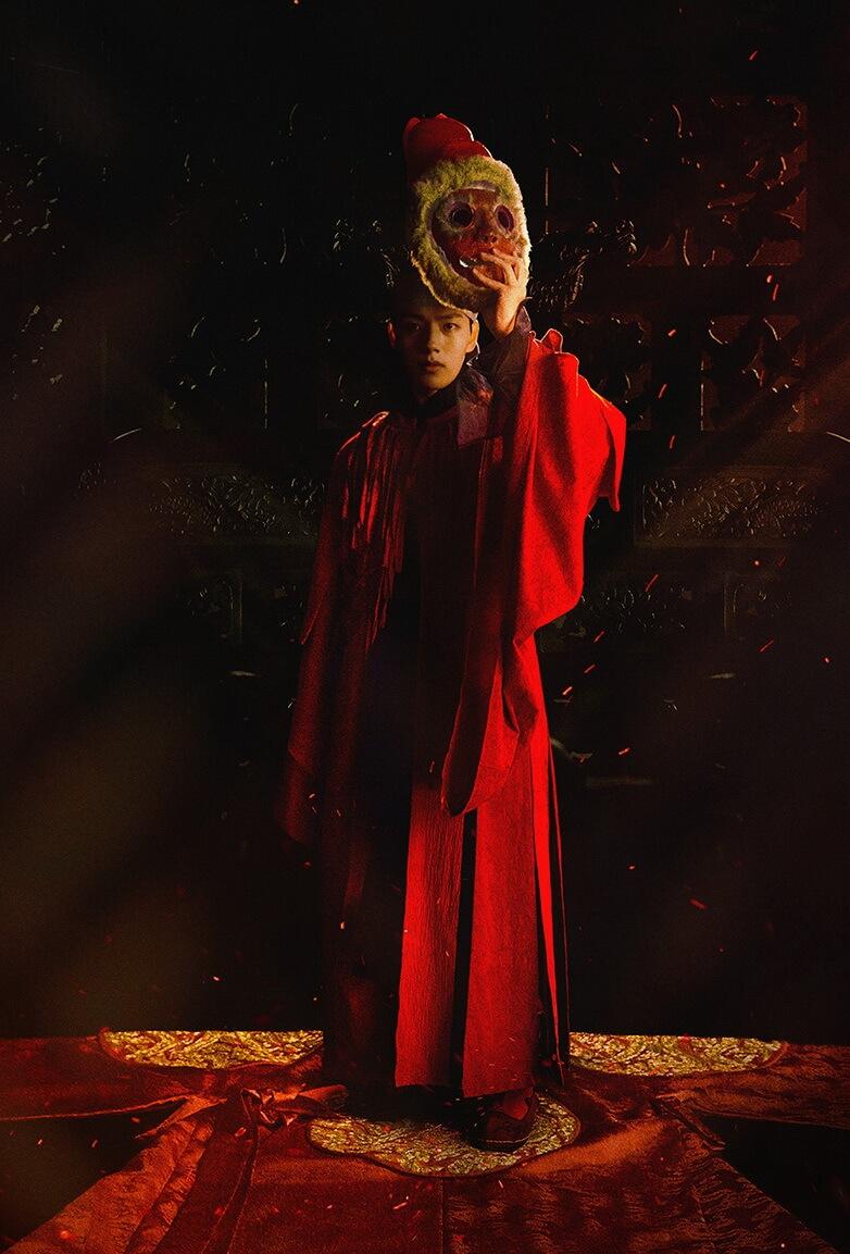劇中呂珍九一夜之間由戲子變成王,考驗重重。