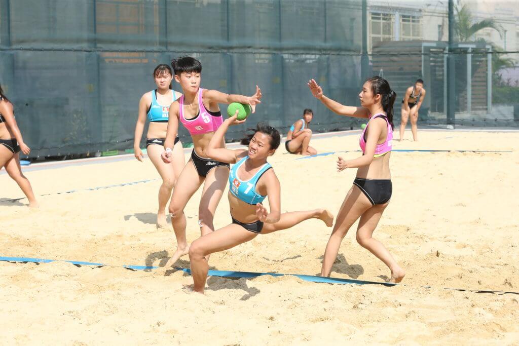 沙灘手球青年隊充滿青春活力