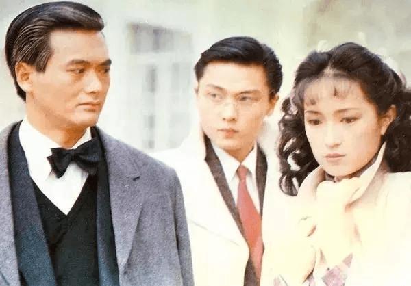 龔慈恩第一部電視劇《大香港》跟周潤發合作,關禮傑當時則同是新人。