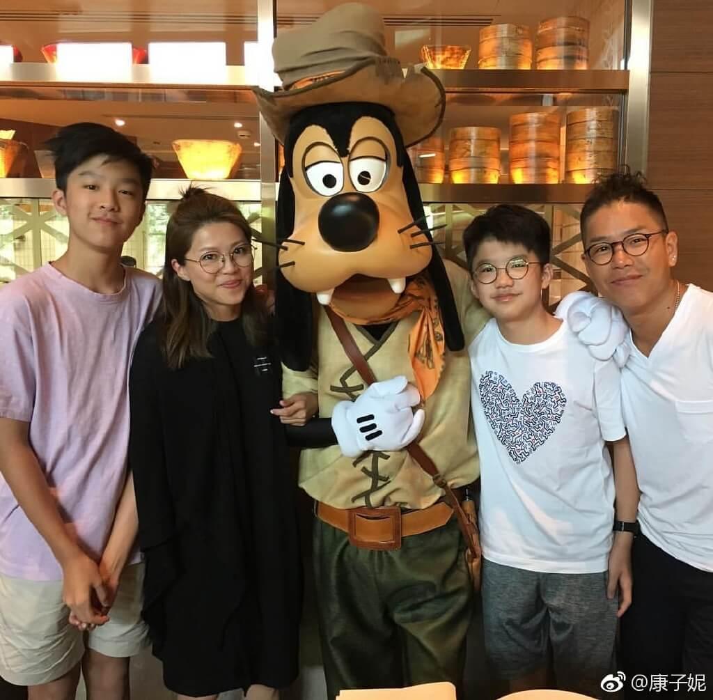 林曉峰很重視與太太康子妮、大仔林寶、細仔林熙的相處時間,是超級愛家男人。