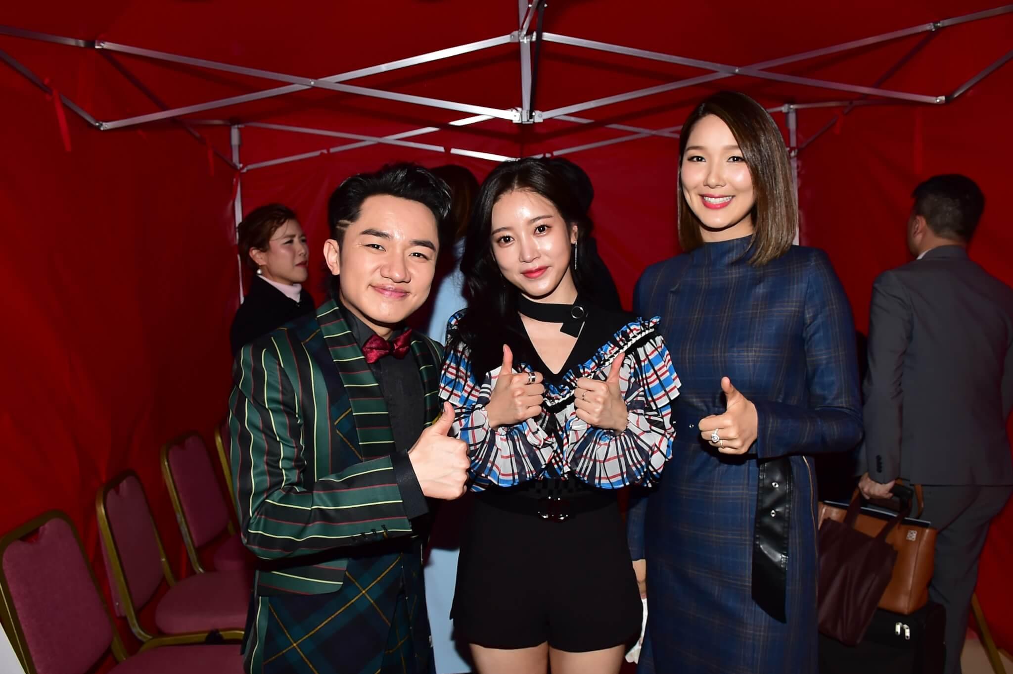 昭妍早前專程來港撐電影首映,跟王祖藍夫婦合照。