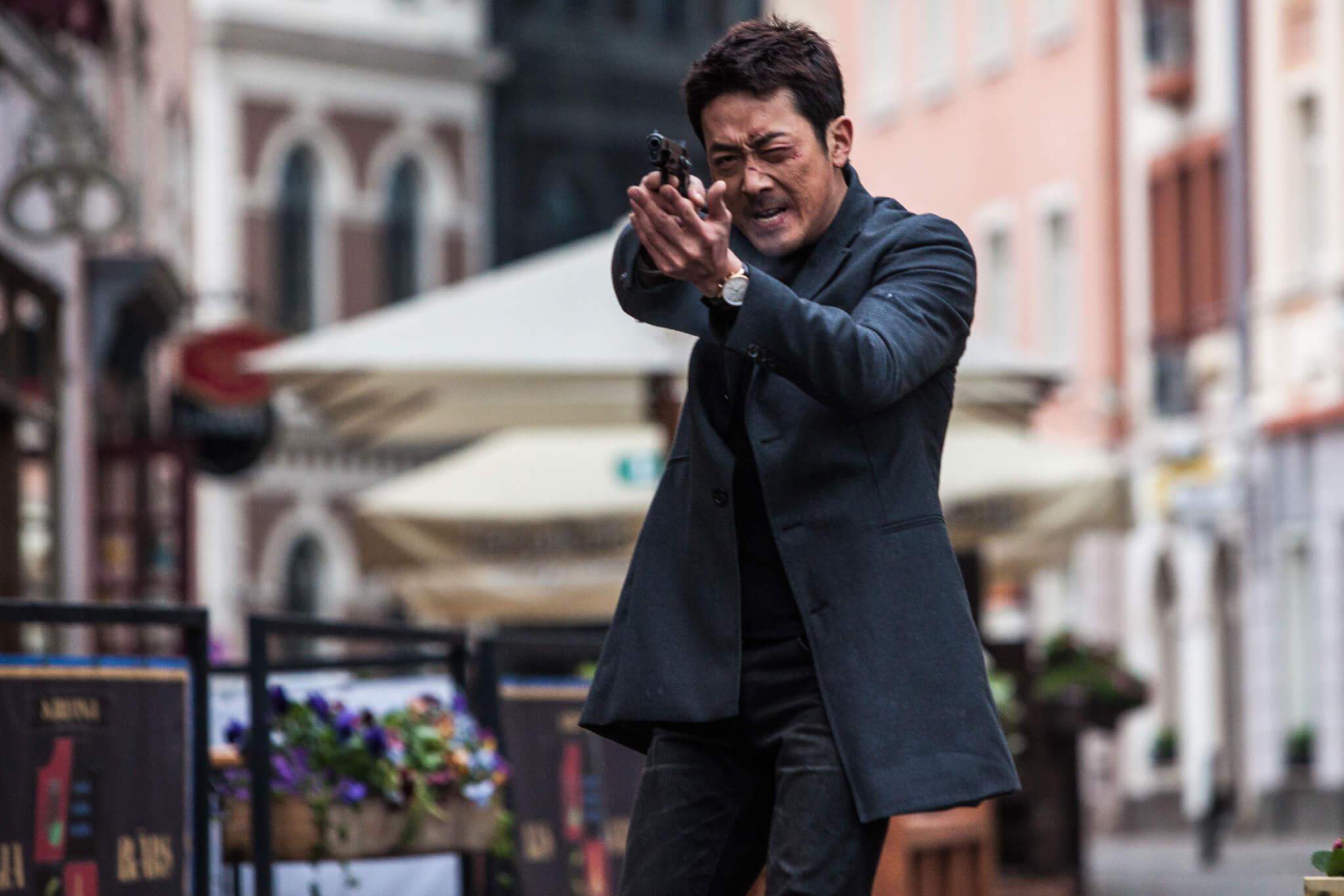 事件發生當時,不少韓國人對河正宇的印象都停留在《追擊者》中的變態殺人犯,難怪市民和警方都誤會了他!