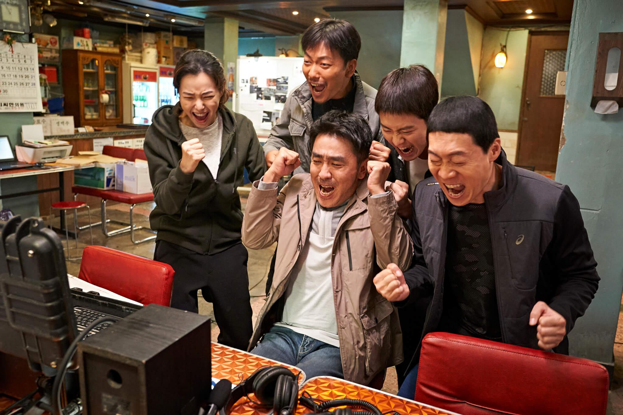 「好戲指標」柳承龍繼《鳴梁》和《戇爸的禮物》後,再多一套電影打入韓國十大電影榜。