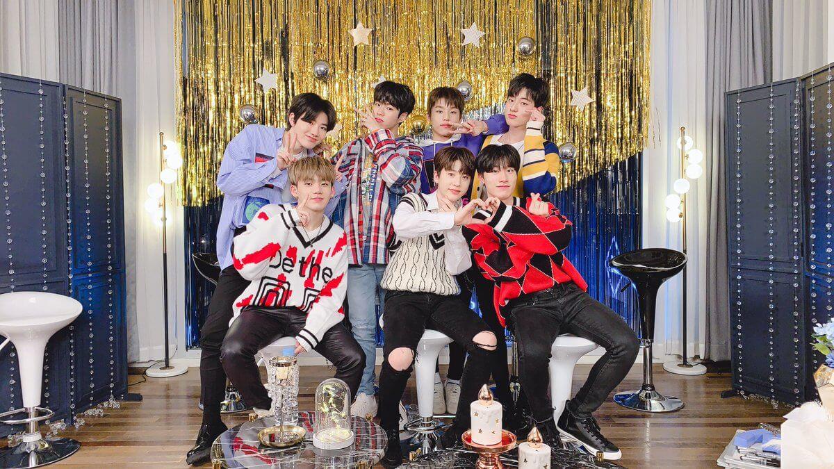《YG寶石盒》公布最後出道成員為(左起)Haruto、房藝談、蘇正煥、金俊奎、朴正宇、尹在赫和崔玹碩。