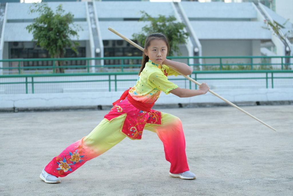 賀曦彤小小年紀已經做世界冠軍