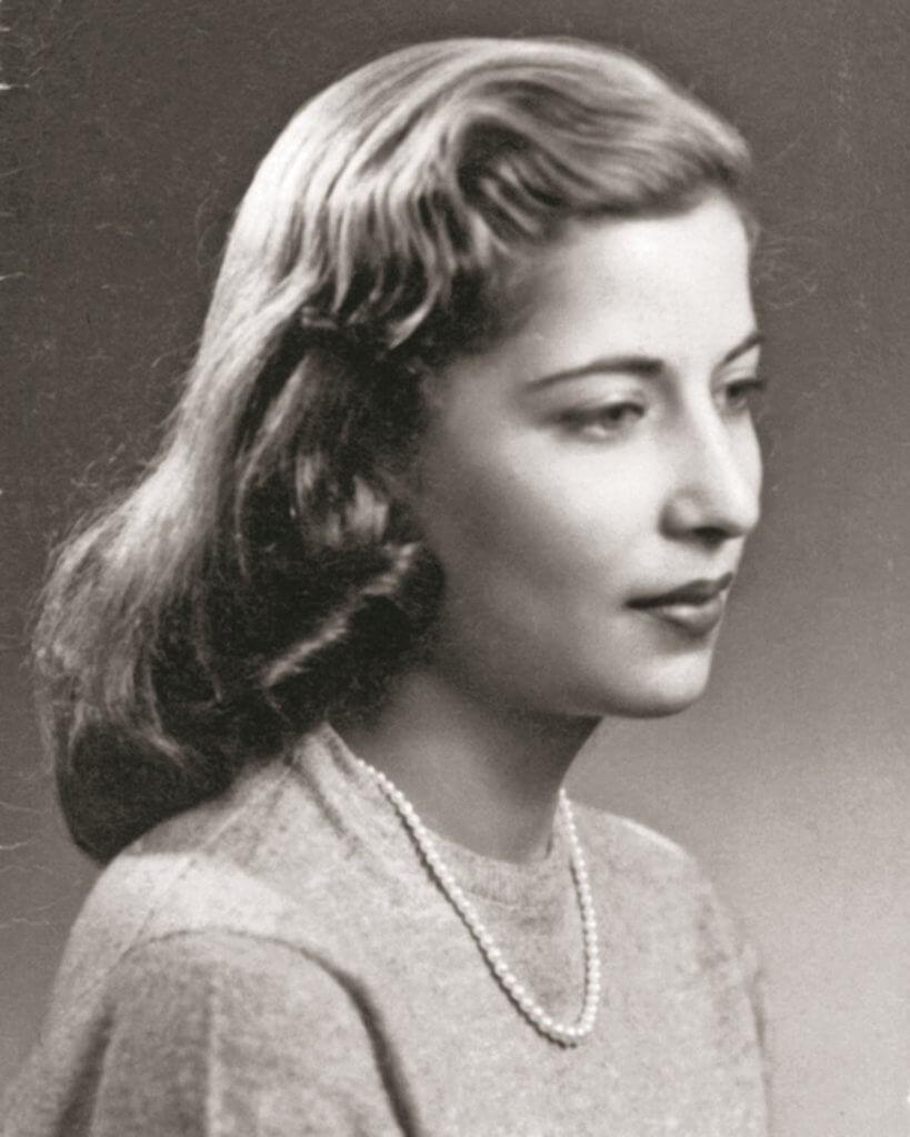 真人版露絲年輕時的照片