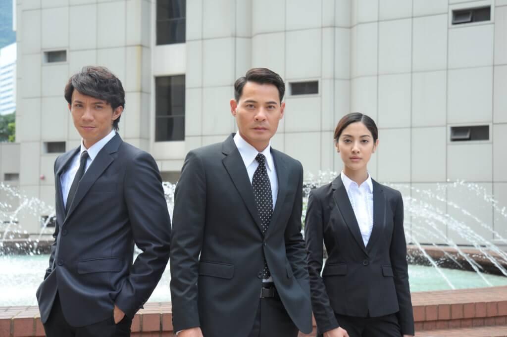 黃智賢和陳凱琳在《四個女仔一個BAR》的關係是律師行師父徒弟