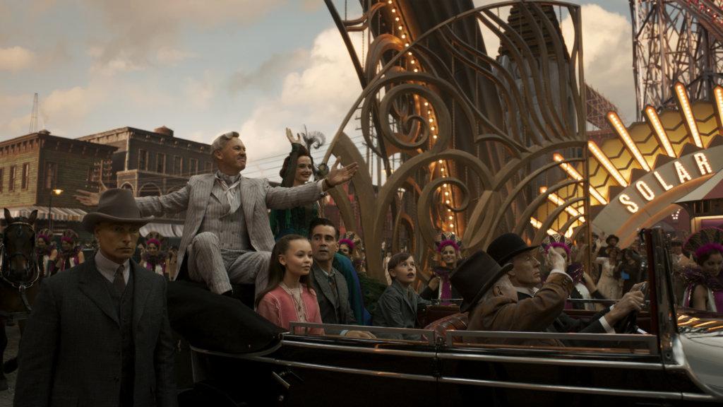 米高基頓飾演的娛樂大亨為馬戲團帶來新希望,卻另有陰謀。