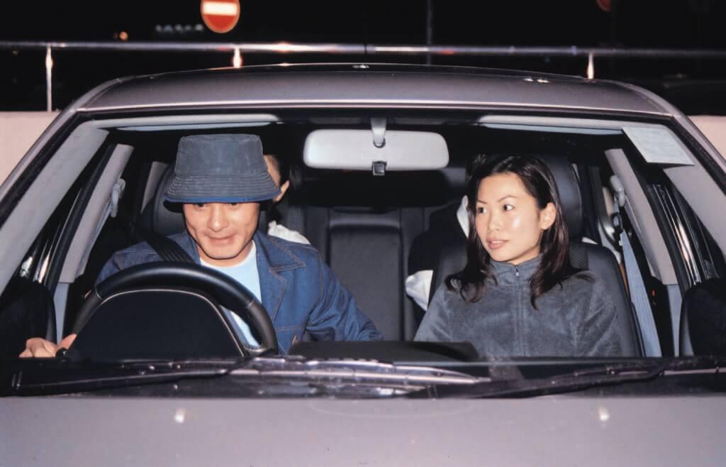 黃智賢的太太不喜歡出鏡,難得被傳媒拍到他們一起在車上。