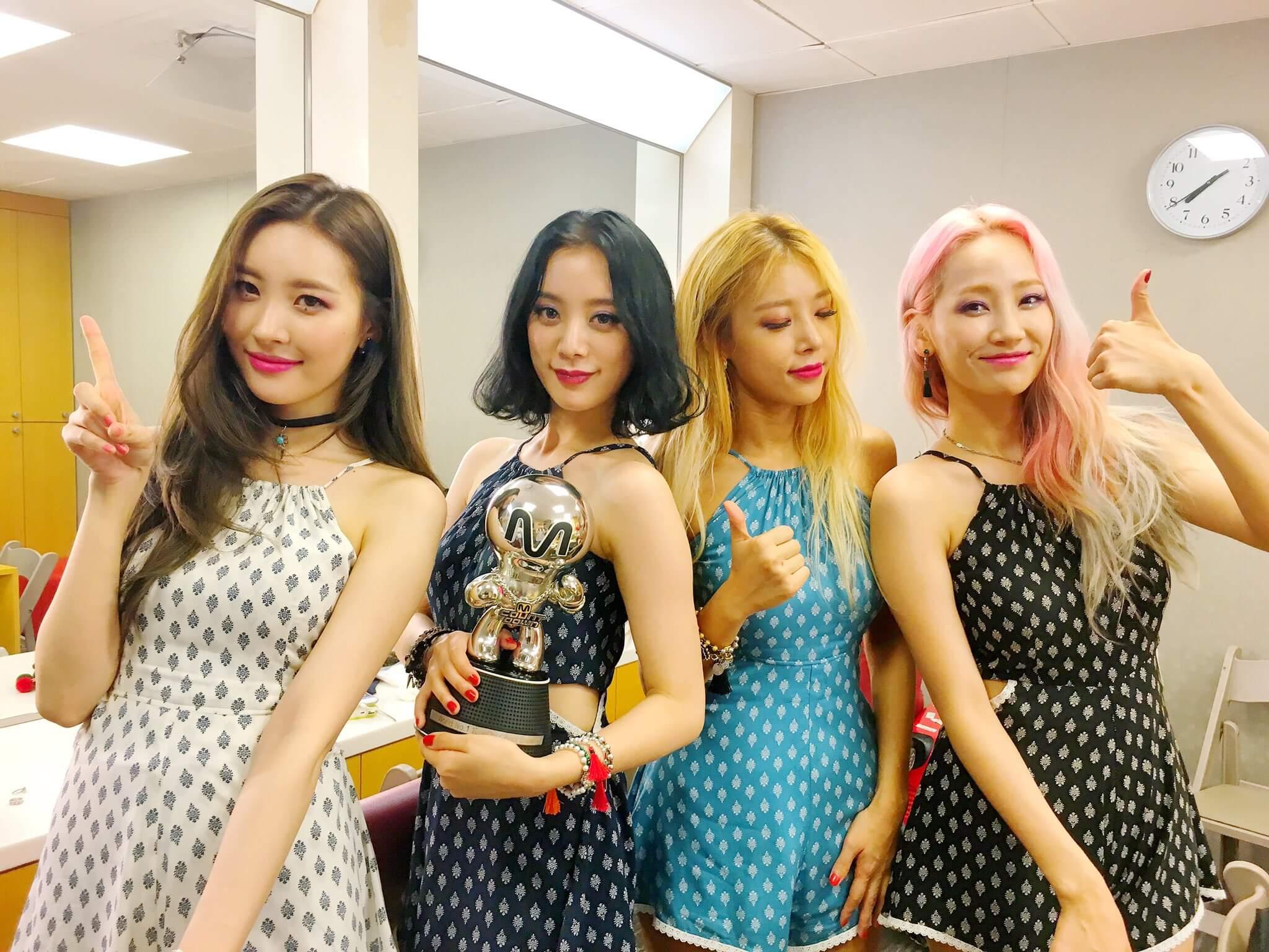 Wonder Girls前年解散時,剩下宥斌、譽恩、宣美和惠林四人。