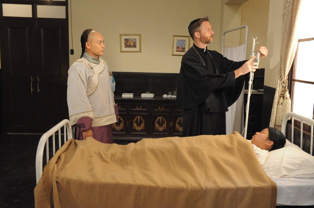 布偉傑在《末代御醫》飾演傳教士,原來年輕時的他在美國當了兩年傳教士,主要服務對象是當地柬埔寨難民。