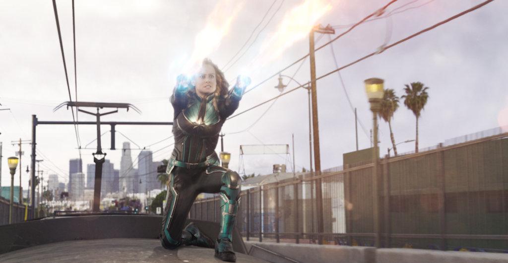 最強女英雄Marvel隊長揭發真相,捍衛弱勢。