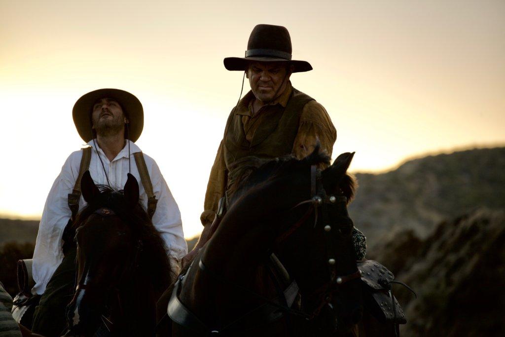 約翰韋利與華堅馮力士飾演的兄弟殺手,狗咬狗骨,卻巴打情深。