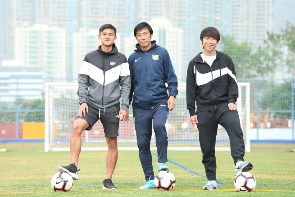 傑志總教練朱志光發掘足球小將鄭展龍和羅梓駿。