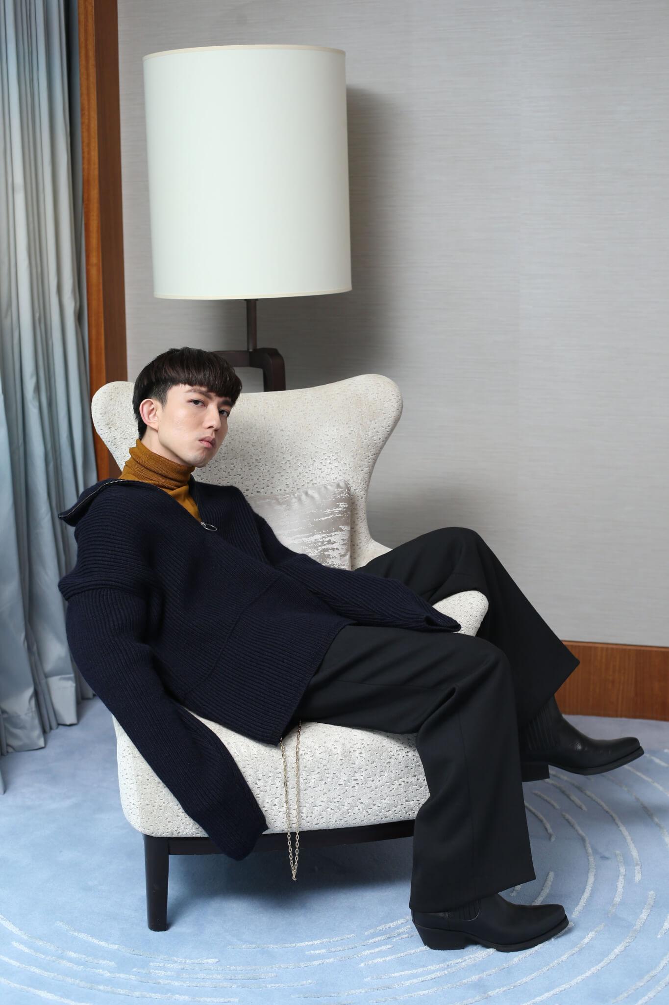 升呢人父的林宥嘉說婚後除了工作上需要更積極外,湊仔成為他的減壓方式。