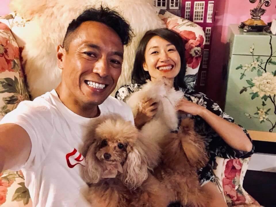 姜皓文夫婦都喜歡寵物,家中養了多隻貴婦狗,他在幾年前見到桌上的乳豬全體,突然聯想到家中的小狗,自此便戒吃肉類。