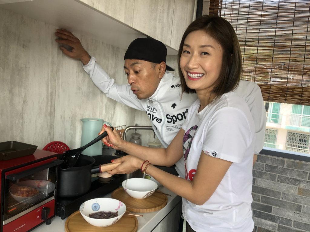 太太殷寧為姜皓文鑽研菜色,讓他吃得健康又色香味全。