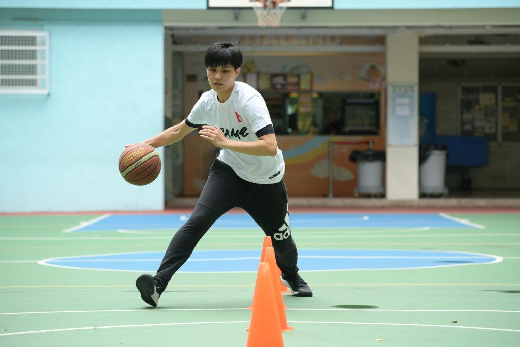 卓婷為打籃球努力讀書