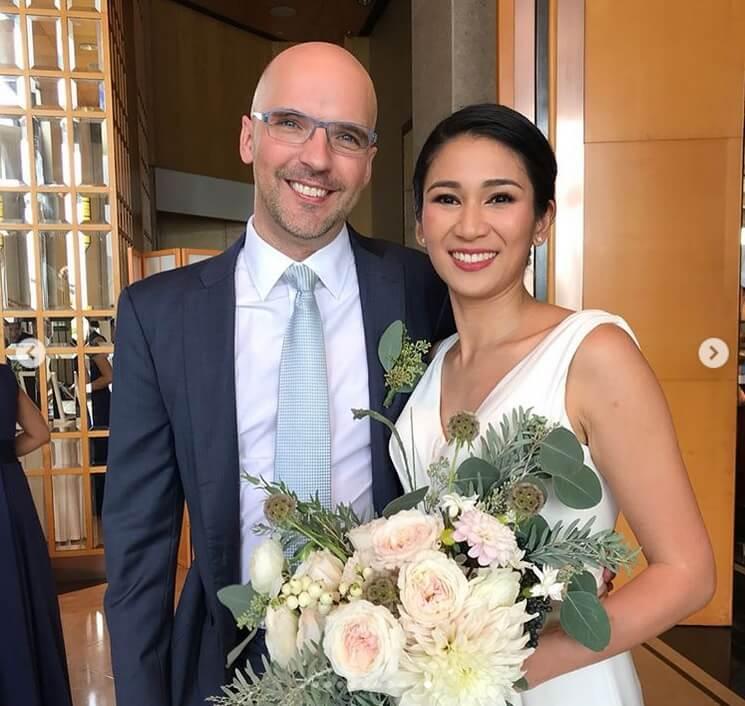 Crisel去年結婚,現在和德籍丈夫一起經營學校。