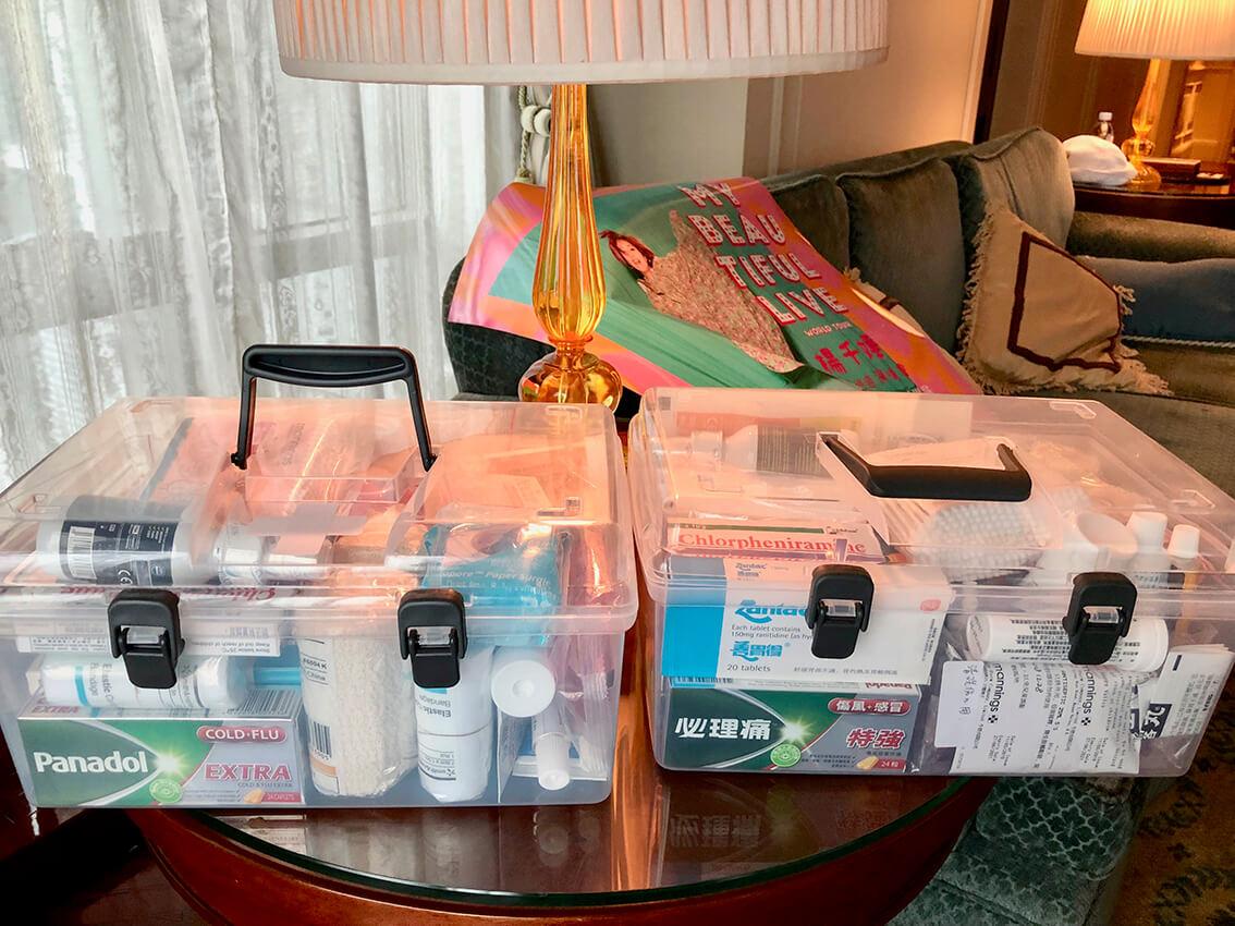 千嬅親自為巡唱團隊準備兩個「首飾箱」