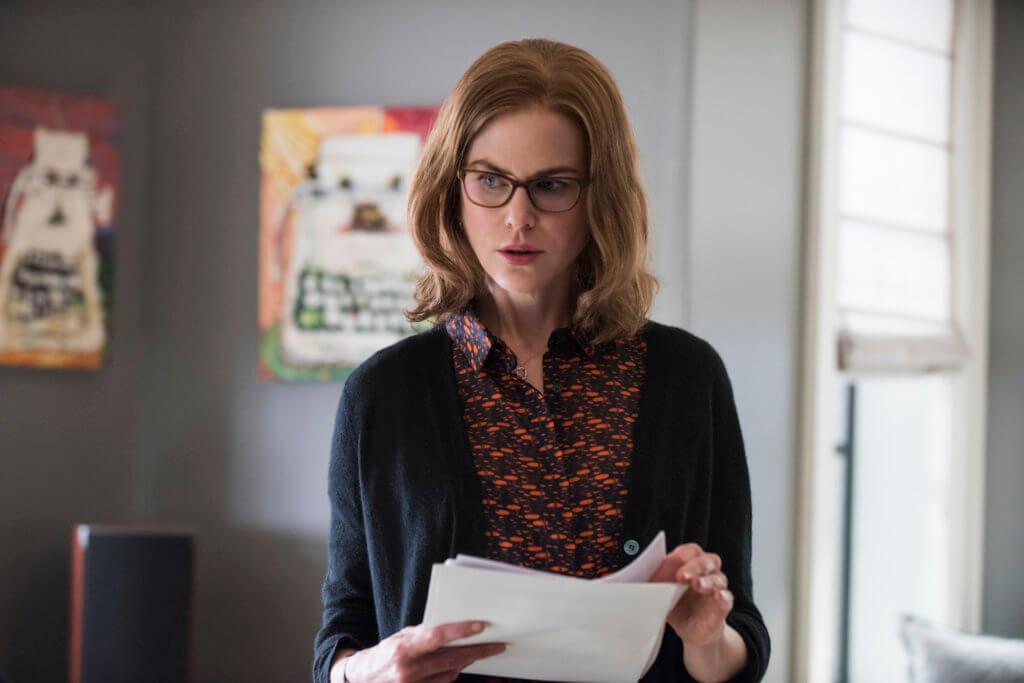 妮歌潔曼扮演的私人助理中女,亦十分討好。