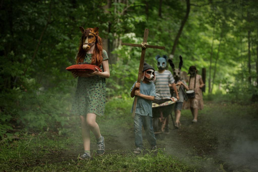 《詭墓》大改原著情節,今次是被車死的小女兒復活,邪靈附身大開殺戒。