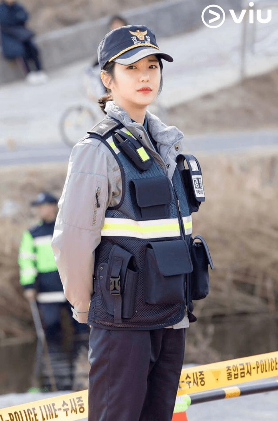 辛睿恩於劇中飾演女警