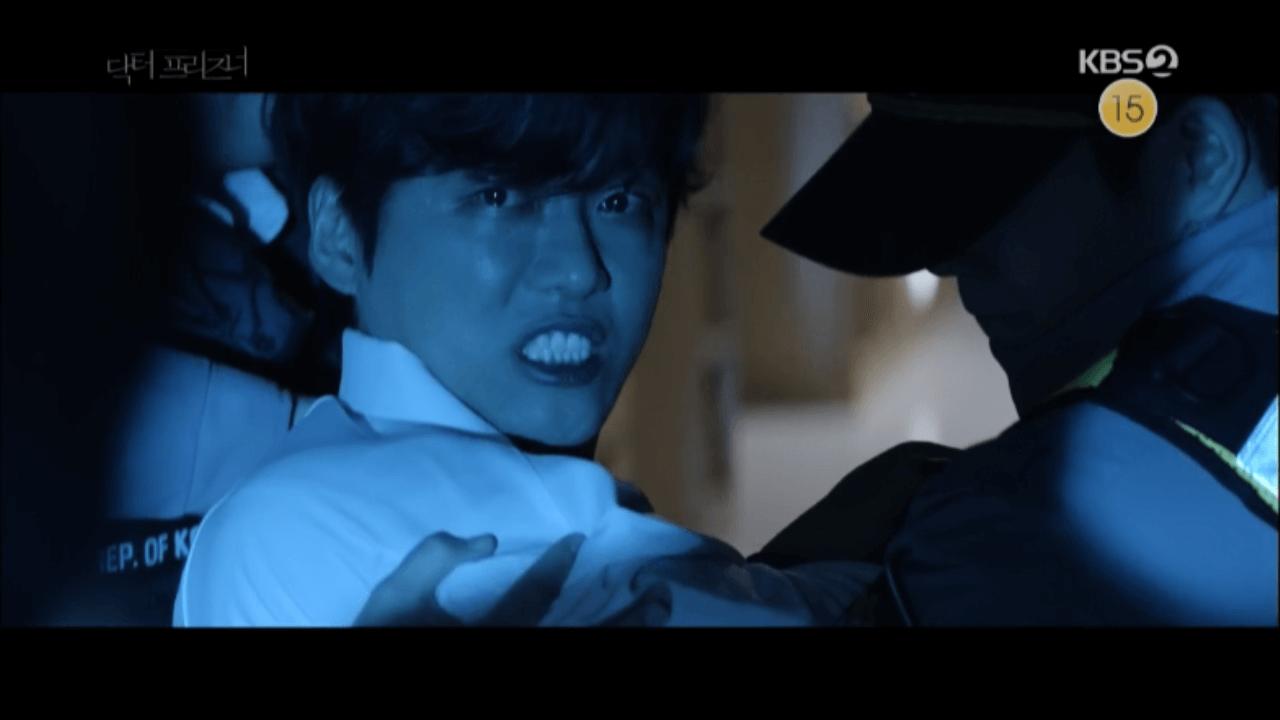 劇中南宮珉被誣陷跌至人生谷底,一夜黑化。