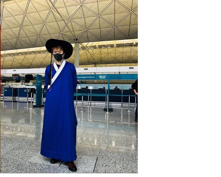 Ian一直以為自己有份去韓國拍《MIRROR GO》,當日以一身韓服打扮去到機場,才知攝製隊只安排他去烏奚沙拍攝,令他大為失望。