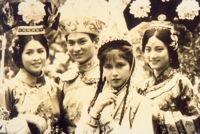 卡士強勁的劇集《皇上保重》由劉德華飾演乾隆帝,劉嘉玲飾漢人女子孫福如,曾慧雲飾皇后,而邵美琪則演香香公主。