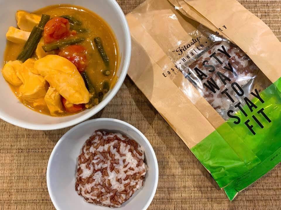 網上外賣,營養師會計好每餐所需營養,而且真空包裝,確保食物質素。