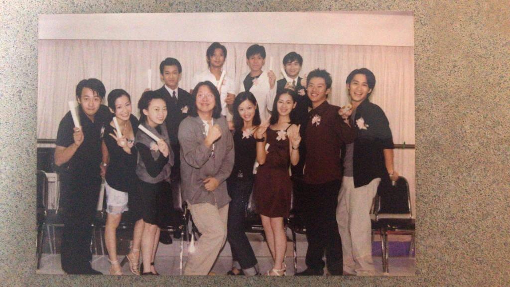 林雲中(後左二)、林遠迎(前左一)、周家怡(前左三)及任港秀(前右四)是同屆訓練班同學。