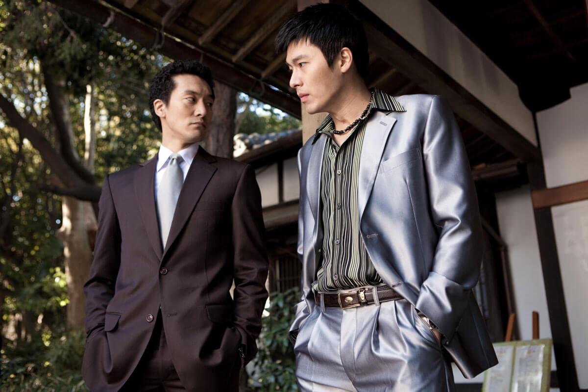 受香港電影影響,不少韓片都喜歡採用黑色題材,○九年的《朋友》就是玄彬拍過的唯一一套。