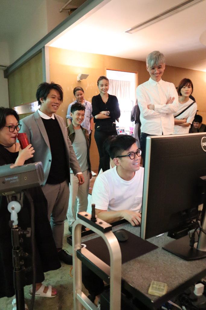林海峰是此劇的美術總監,拍海報當日親自監場。