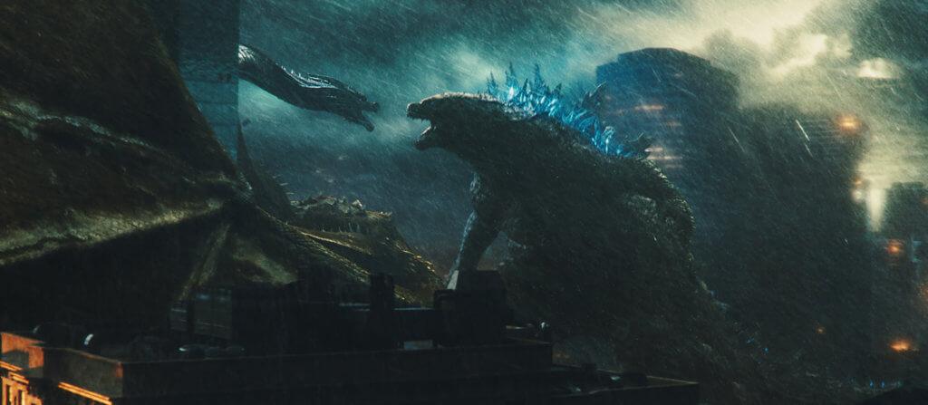 《哥斯拉II:王者巨獸》中哥斯拉與三頭龍的對打勢成怪獸片新經典場面