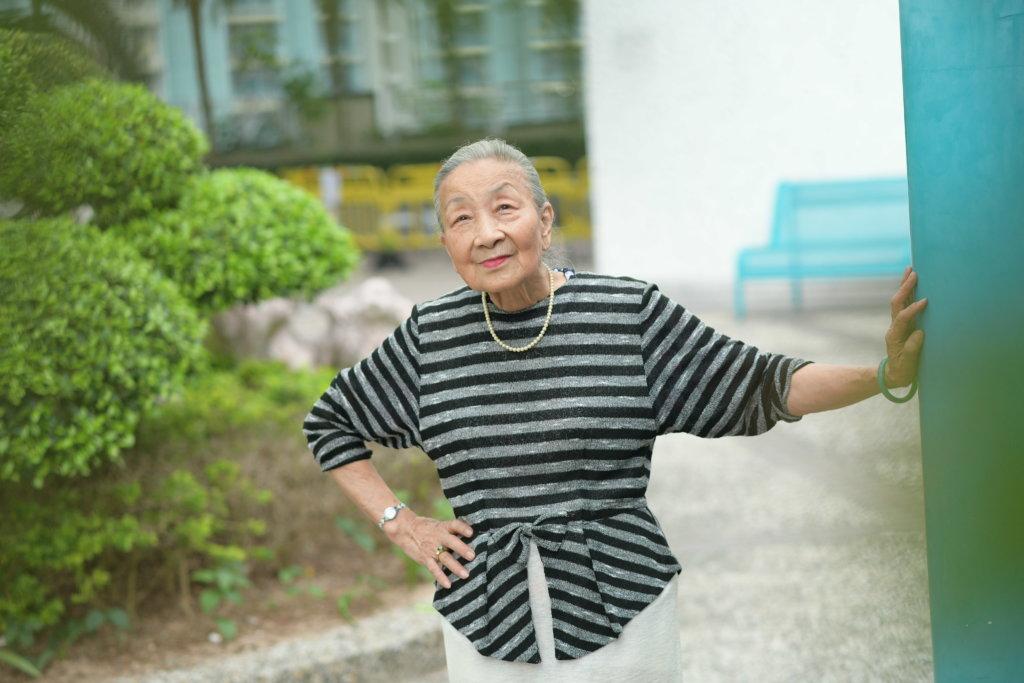 楊依依當年跟紅線女學藝,惜爸爸反對她入行。
