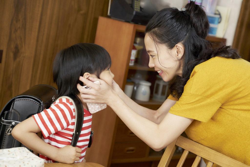 木村佳乃飾演的好媽媽兼好妻子,懂得好好開解兒子,也默默支持丈夫。