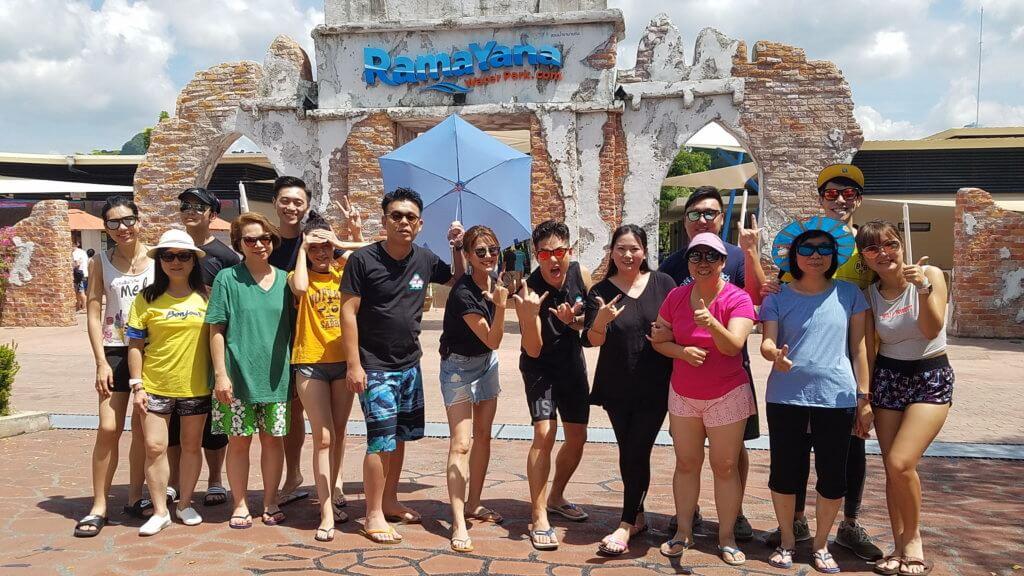 林曉峰及康子妮之前跟節目所有參賽者一起出發去泰國,進行連串考驗。