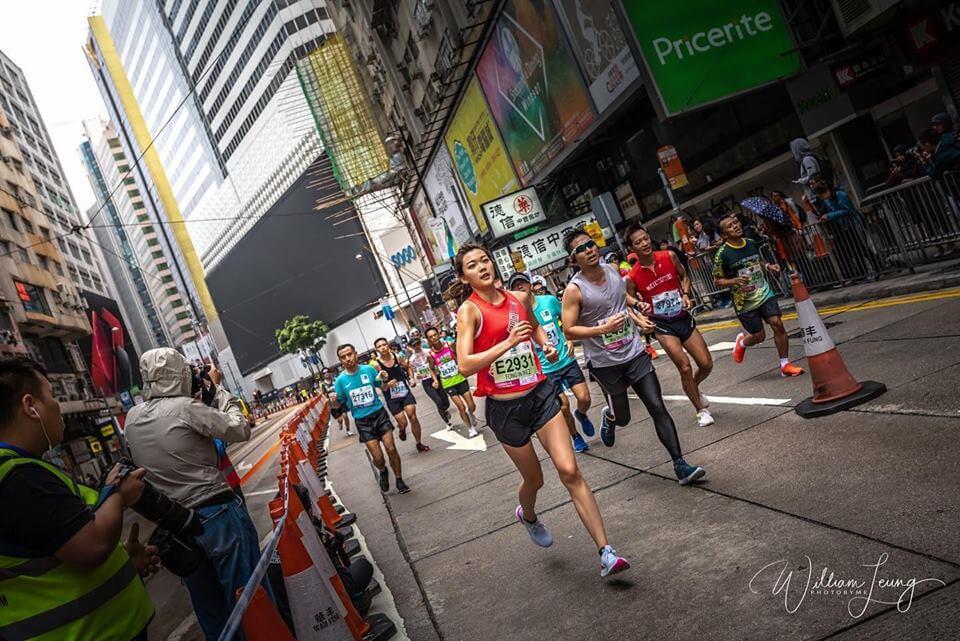 去年十月,梁諾妍完成了人生第五次的馬拉松比賽!