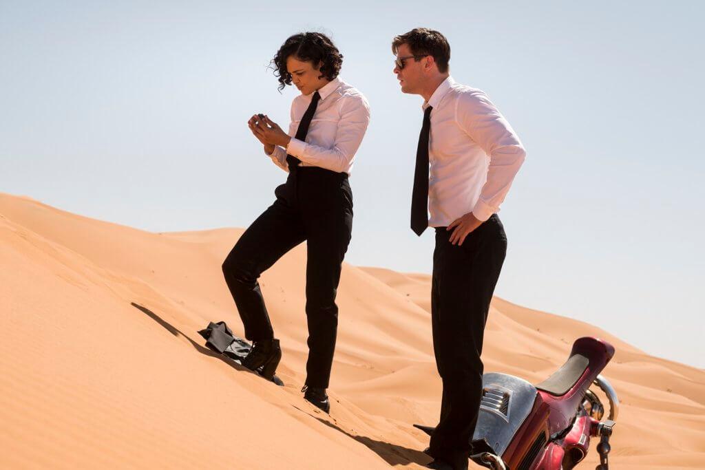 「雷神」基斯與「女武神」泰莎合演《黑超特警組》,十足拍《雷神》外傳。