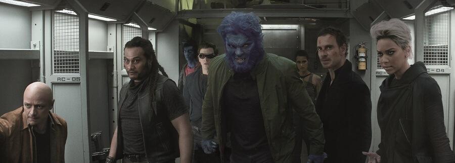 藍獸與米高飾演的磁力王將爆發衝突