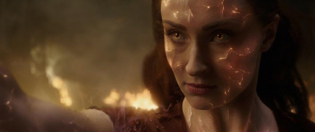 蘇菲特納首挑大樑,飾演奸角黑鳳凰。