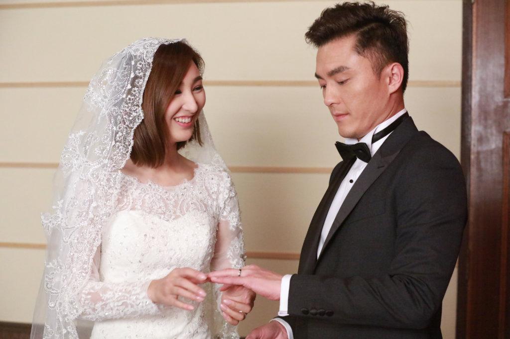 《婚姻合伙人》中高海寧與楊明有一段複雜的感情關係,這是她第一部擔正的劇集。