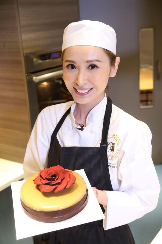 令人驚艷的焦糖鏡面朱古力慕絲蛋糕