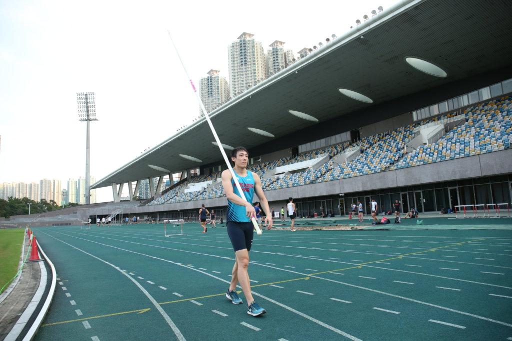 張培賢是香港撐竿跳紀錄保持者