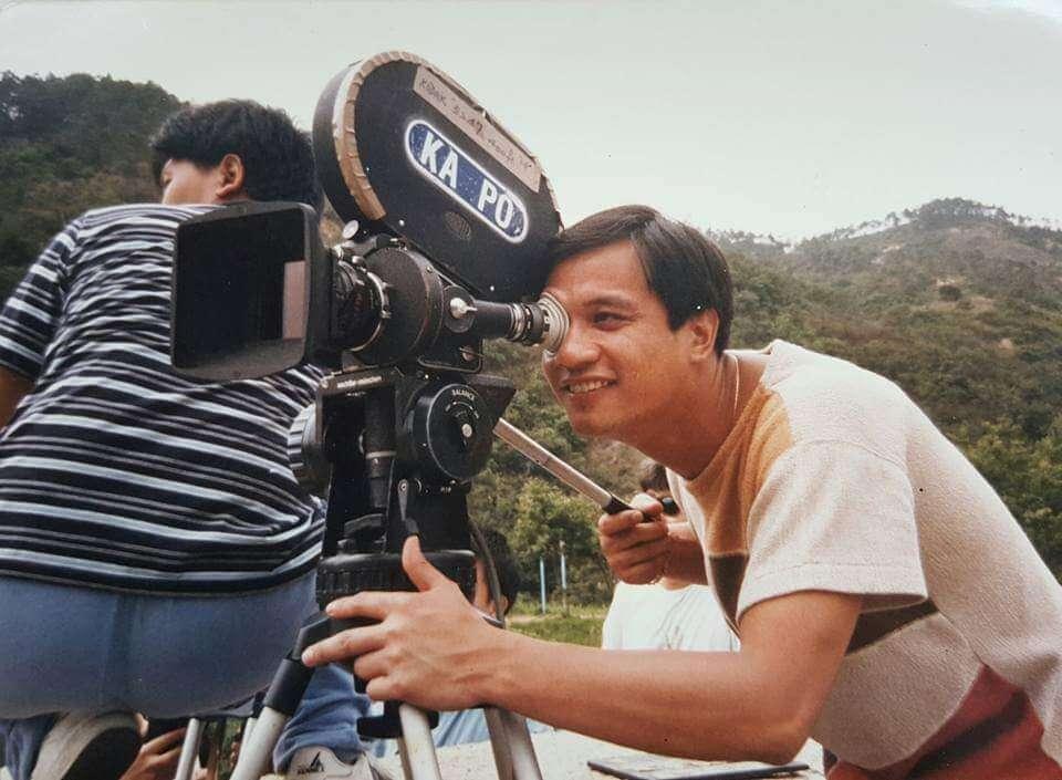 經好友鄭則仕力薦,黃栢文由電視藝員轉戰影圈,亦成功轉型參與幕後工作。